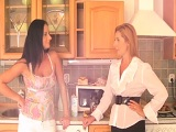 Nada como follar entre dos mujeres.. - Lesbianas