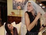 Me follé a mi amiga antes de mi boda - Lesbianas