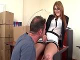 El jefe juega con la secretaria española - Españolas