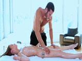 Necesito un buen orgasmo, señor masajista! - Rubias