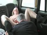 El taxista me comió todo el coñito.. - Amateur