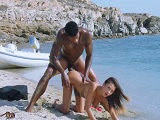 Follando duro en una playa paradisíaca.. - Interracial