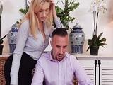 La secretaria tontea conmigo.. - Videos XXX