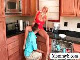 Madre e hija se follan al vecino a la vez - Incestos