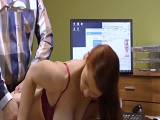 Tiene sexo con el director del banco.. - Sexo Duro