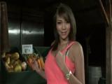 Prueba los melones de la frutera - Tetonas