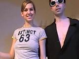 Pareja amateur grabando un video casero - Porno Mix