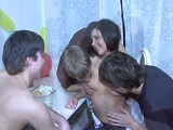 Se follan a la prima en la fiesta de cumpleaños - Xvideos