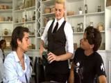 Darryl Hanah es la camarera perfecta - Videos XXX