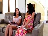Adriana Chechik y Veronica Avluv en un lesbico - Actrices Porno